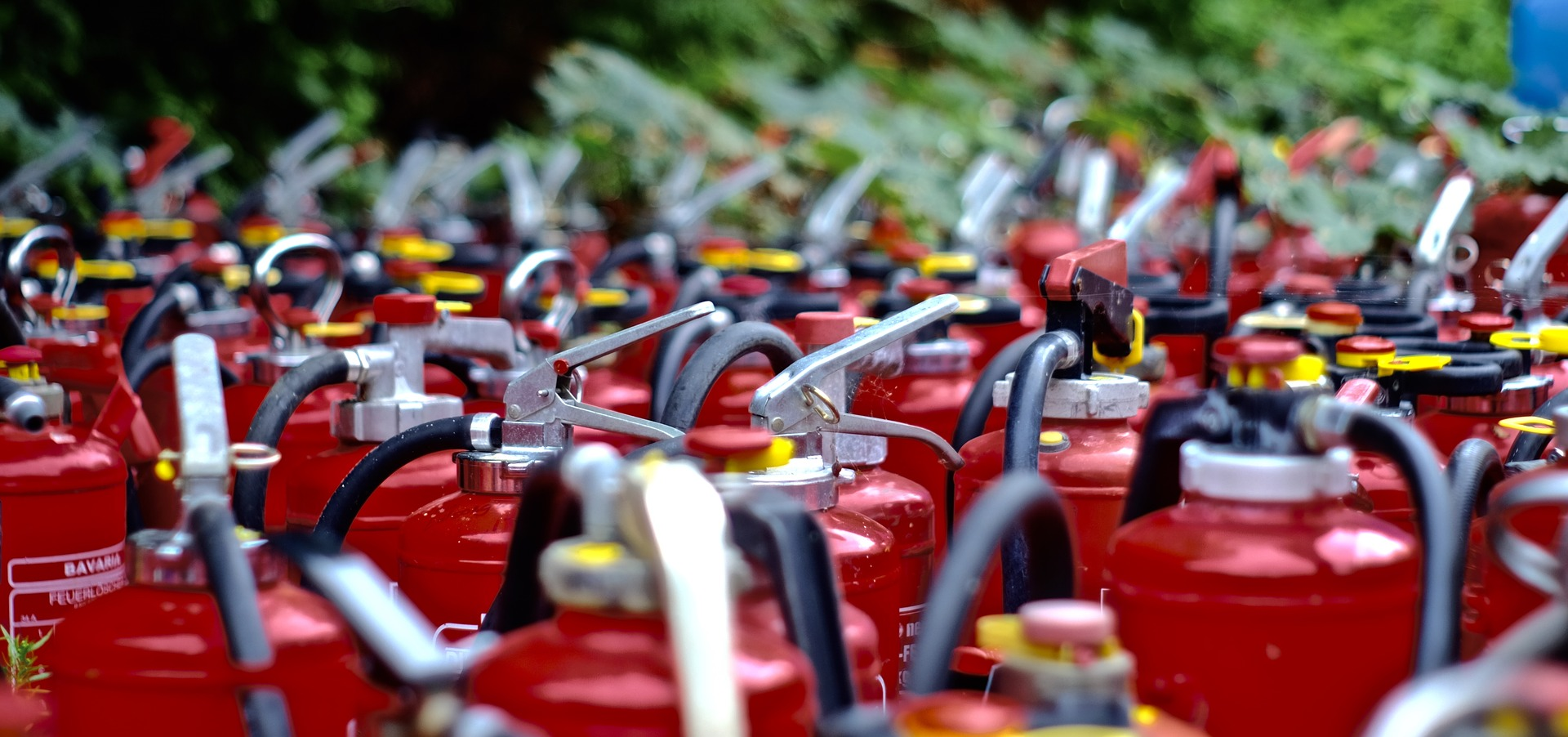 Как выбрать огнетушитель и рассчитать необходимое количество для помещения